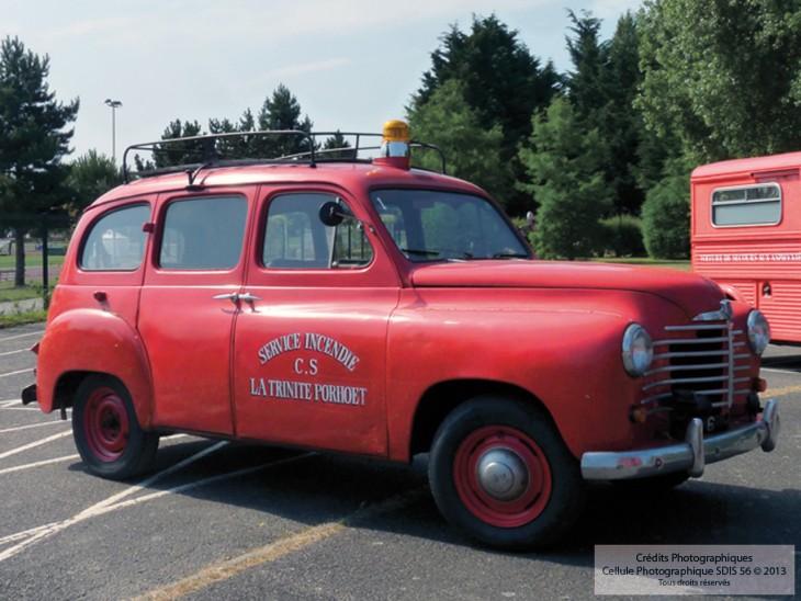 1952 v hicule de liaison renault sdis 56 sapeurs pompiers du morbihan. Black Bedroom Furniture Sets. Home Design Ideas
