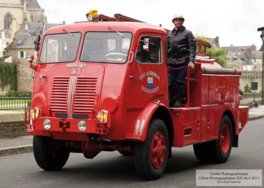 Camion Citerne Feux de Forêt - Berliet incendieRenault - 1956