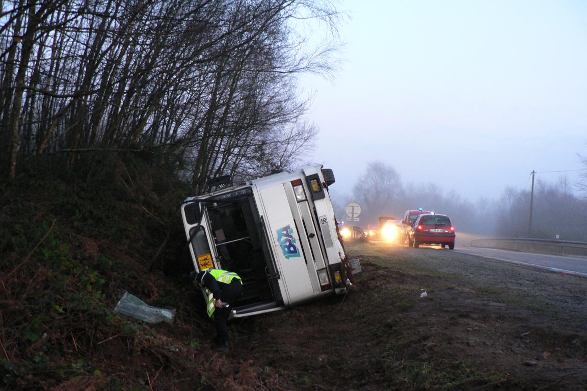 accident_de_car_scolaire_sdis56.jpg