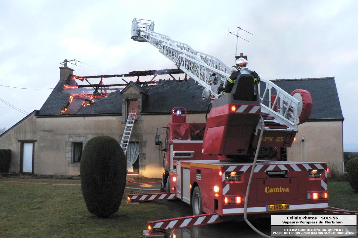 feu-dhabitation-reguiny-le-23-02-10-8.jpg